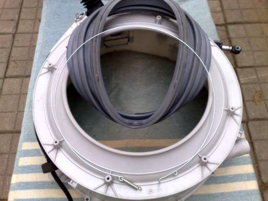 Резиновая уплотнительная гофра и стопорное кольцо стиральной машины
