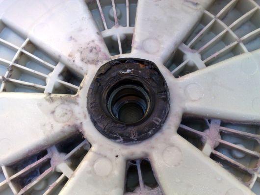 Крышка барабана стиральной машины с подшипниками и сальником