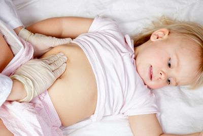 ощупывание малыша