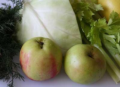 капуста и яблоко