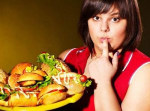 переедание тяжелой пищи