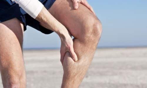 Основной симптом заболевания — боль, обостряющаяся при физических нагрузках