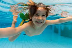 Упражнение в воде для лечения сколиоза