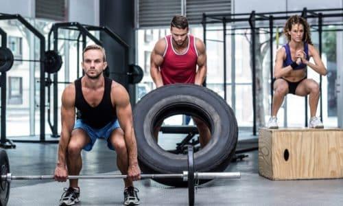 Перегрузки у профессиональных спортсменов во время тренировок и соревнований могут привести к возникновению мышечной грыжи