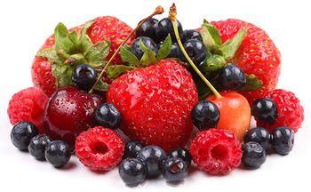 ягоды малина клубника