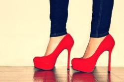 Высокие каблуки - причина болей в пояснице
