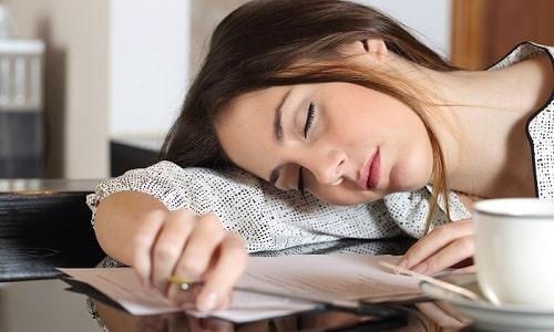 Увеличение уровня гормона в 2,5-3 раза считается опасным и может сопровождаться быстрой утомляемостью