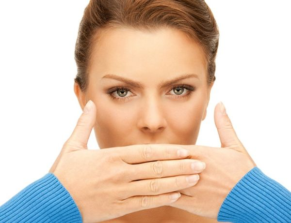 афты на поверхности губ