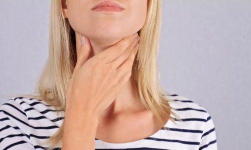 На начальных стадиях центрального гипотиреоза наблюдается нормальный уровень тиреоидных гормонов, но по мере развития они постепенно снижаются