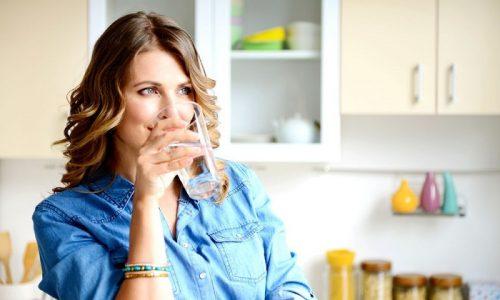 Избежать застоя урины поможет употребление большого количества жидкости - до 1,5-2 л в сутки