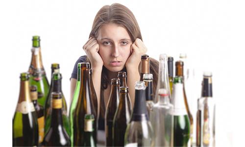 Высокая частота данной патологии у представительниц прекрасного пола обусловлена доступностью во время алкогольного опьянения