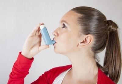 Девушка с астмой