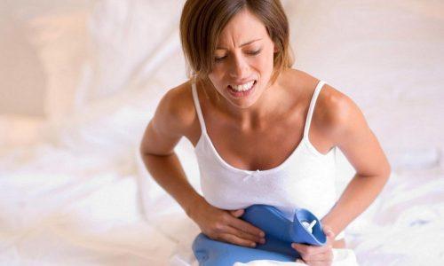 На первых неделях вынашивания ребенка женщины часто страдают циститом, поэтому сложилось мнение, что воспаление мочевого пузыря является самым первым свидетельством удавшегося зачатия