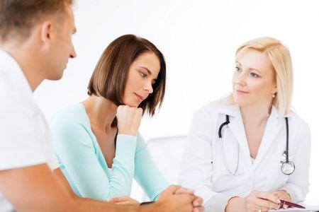 врач с пациентами