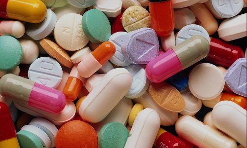 Чтобы образовались язвы, необходимо длительное воздействие таких негативных факторов, как прием медикаментов