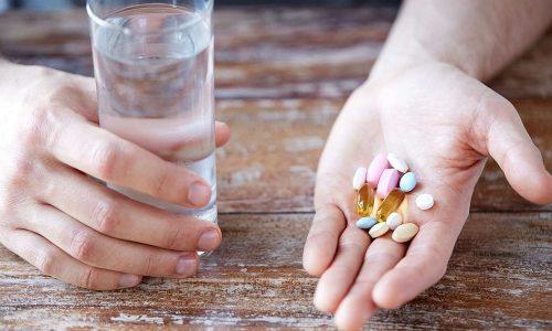 Если не принимать лекарства при остром цистите, ситуация может провоцировать возникновение тяжелых осложнений и существенное снижение качества жизни