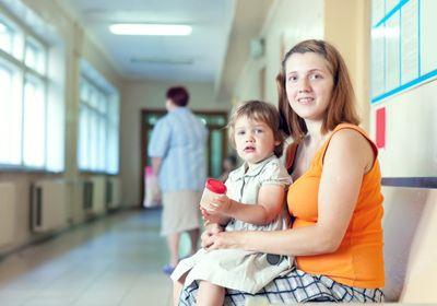 мама с ребенком в больнице