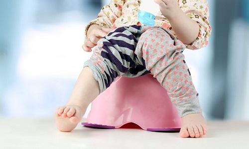 У ребенка при остром цистите возникают частые позывы к мочеиспусканию
