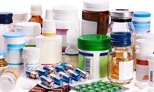 Бесконтрольный и длительный прием препаратов, к которому склонны пожилые люди, может привести к циститу