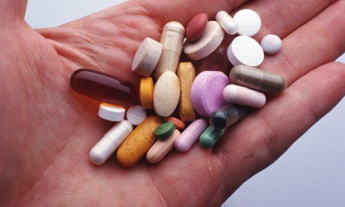 Комплексная терапия цистита часто дополняется средствами, в состав которых входят растительные компоненты