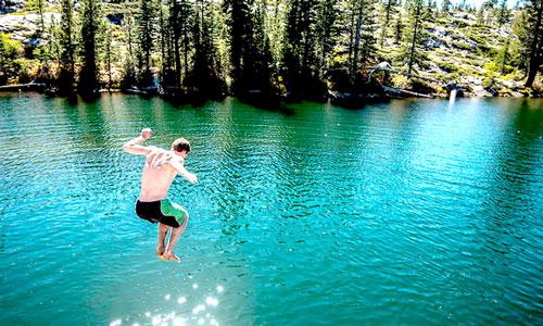 специалисты считают купание в реках, водохранилищах, озерах при цистите фактором риска